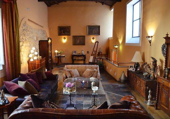 HOTEL AI CARTARI BED & BREAKFAST, PALERMO - Rates from €134 per Night!